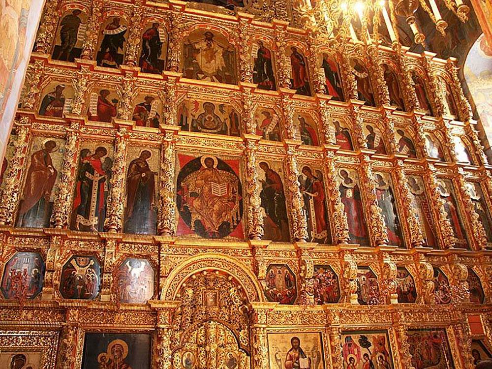 Ikonostase im Ipatios-Kloster der Heiligen Trinität, Kostroma.